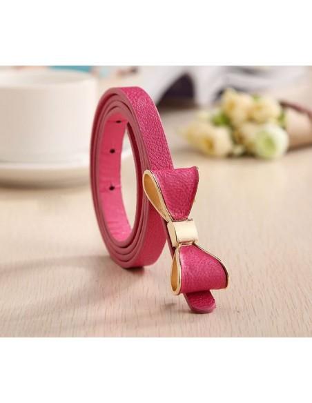 Cinturón de cuero con lazo.